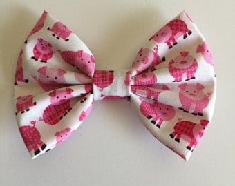 Pink pigs bow.