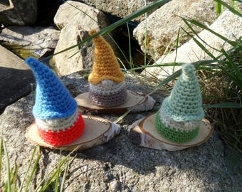 Crochet Amigurumi Home Decor Faux Taxidermy Garden House Gnomes Driftwood Slice Mount Wool Green Blue Yellow Red Soft Sculpture Textile Art