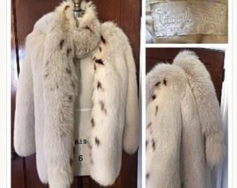 vintage 1950s cream white spotted fox fur jacket coat detachable boa tails SOFT plush pelts REAL stole wrap jacket Lynx look Dyed Arctic Fox