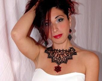 Elegant sets in tatting lace embellished with Swarovski crystals