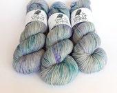 Hand dyed sock yarn, fingering weight yarn, 100% superwash Merino wool - 'Dragonfly' kettle dyed yarn, 4-ply Fortuna Sock yarn