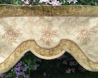 No #1~Lovely faded grandeur antique 1880s French velvet floral roses brocade chateau pelmet~ wonderful display.