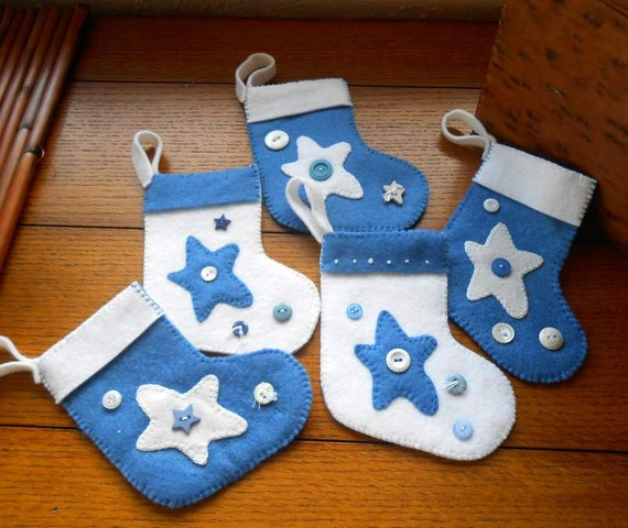 5 Felt Mini Christmas Stocking Ornaments ,Money, Gift Cards, Decorated Blue and White/Stars and Buttons