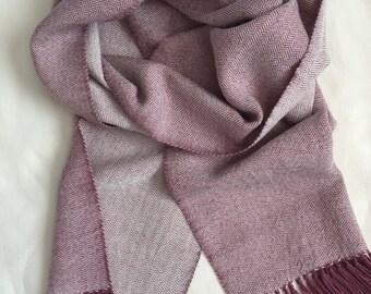 Handwoven Handmade Baby Alpaca Wool and Silk Scarf in beautiful Mauve and Cream