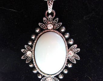 Queen Bess Opalite Pendant