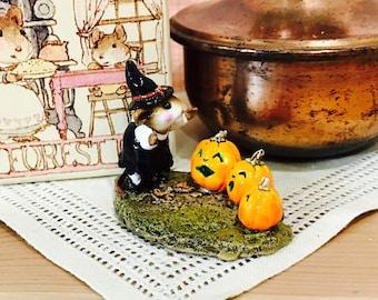 1997 Wee Forest Folk Pumpkin Serenade M-226 Halloween Little Witch Jack O'Lantern Pumpkin