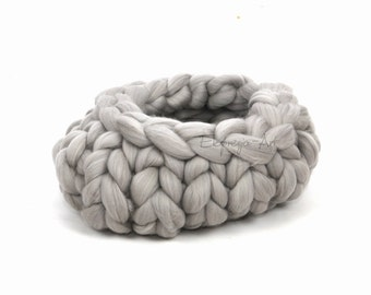 Wool basket / cocoon , LIGHT GRAY , ductile ,  photo prop, baby photo props, merino, knit, chunky