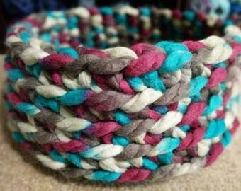 Large Crochet Pet Bed - Cat - Dog