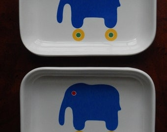 Adorable Pair of Elephant Pfaltzgraff Small Dishes!