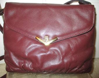 Vintage Etienne Aigner burgundy leather shoulder bag