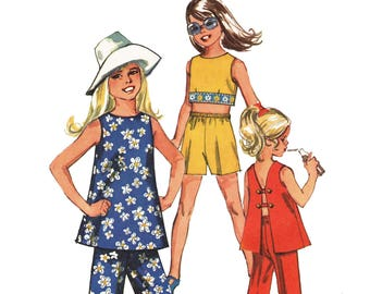 Mod 70s Girls Belly Top Pattern Open Back Midriff or Tunic Top Pants and Shorts Vintage 1970s Sewing Pattern Simplicity 8818 Girls Size 12