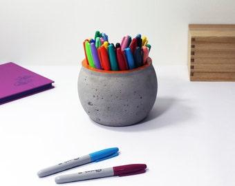 Large Concrete Pot, Desk organizer
