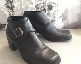 90s Bass black heeled buckle boots size 7.5