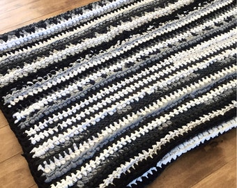 Crocheted rug 100% recycled with t-shirts-all done with recycled t-shirt by crochet handmade carpet Rug