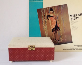 Music box, vintage musical jewellery box with polka dot pattern in red and cream