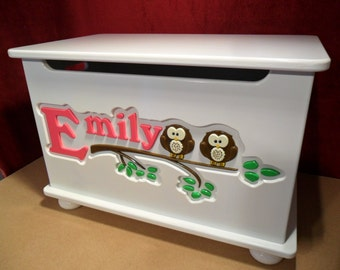 Personalized Toy Box, handmade toy chest, Toybox with Owls. Design 7