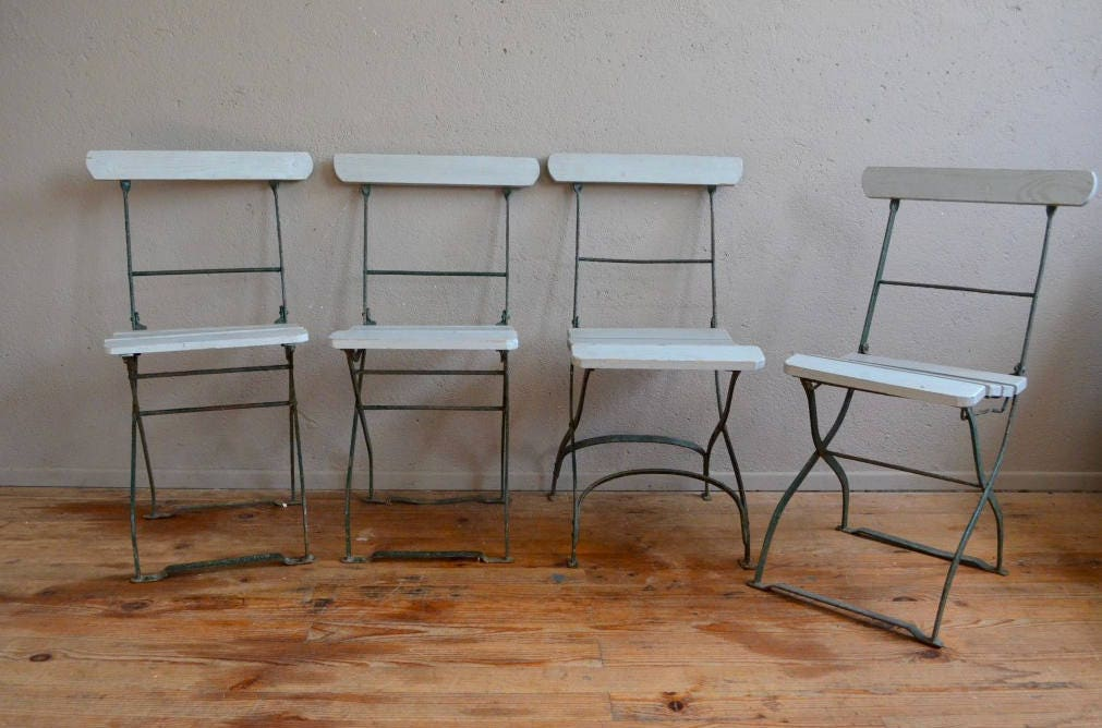 Series of 4 folding chairs folding bar restaurant terrace - Table ancienne et chaises modernes ...