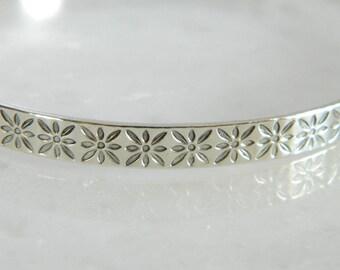 Wonderful Vintage Sterling Silver Bangle Bracelet
