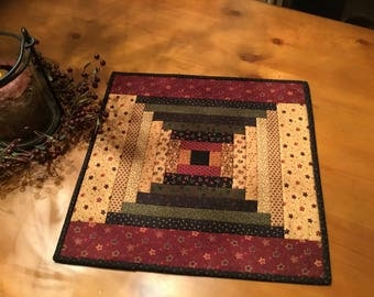 Quilted Table Topper / Country Decor / Primitive / Court House Steps / Farmhouse Decor /Item #2046
