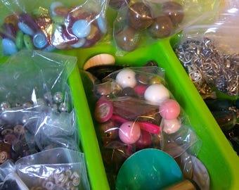 2.5lb bead destash lot w/ container.