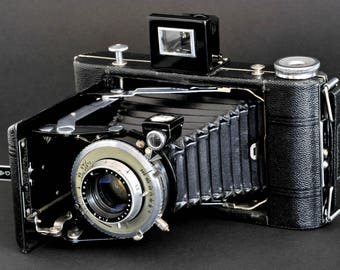 Kodak Vigilant Six-20 Camera w 105mm f/4.5 Lens uses 620 Film Remarkable Condition MiNTY !