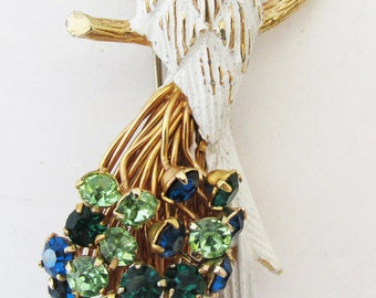 Charming Vintage 1950s Signed Castlecliff Rhinestone and Enamel Figural Bird Pin