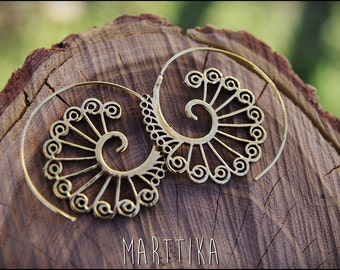 Spiral hoop earrings. Brass earrings. Tribal spiral earrings. Spiral earrings ethnic style.