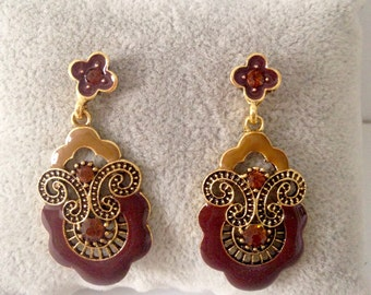Earrings tear Brown