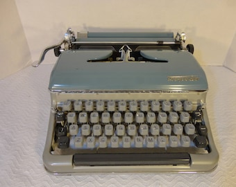 Torpedo 18a typewriter - Vitage/Antique Torpedo typewriter model 18A standard type set Made in West Germany