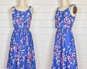 Vintage 1970s Periwinkle Floral Cotton Sundress / Made by Malia / Cherry Blossom / Shoulder Ties