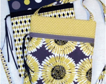 Lazy Girl Designs Runaround Bag Pattern LGD111 Fat Quarter Cutie Finished Size 7 Inches by 9 Inches Great Gift Idea