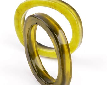 Set of 2 resin bangles, transparent green, Ø 7 cm / 2,75 in