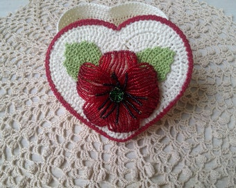 Knitted crochet box, little casket, gift on Valentine's Day, Valentine's Day, crochet box, box heart, gift for the favorite