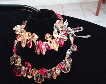 Gorgeous metal free statement necklace