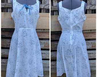 Vintage 1970's White with Blue Flowers Puzzy Cat Boho Summer Sun Dress