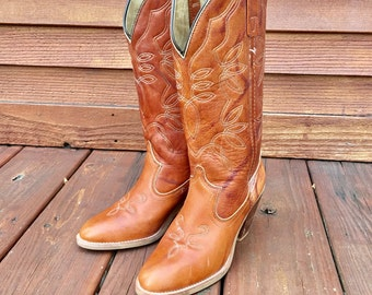 Free shipping vtg cowboy leather boots / women's US siZe 6