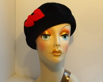 French Beret Valentine Look Black Wool With Red Hearts