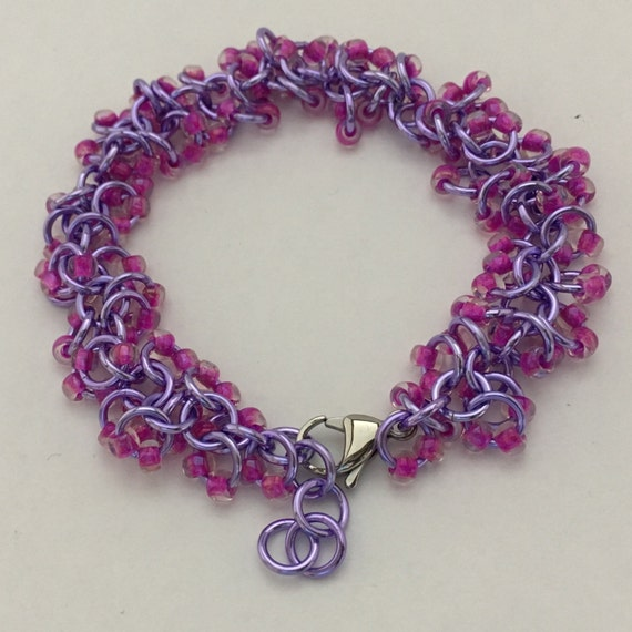 Shaggy beaded chainmaille bracelet