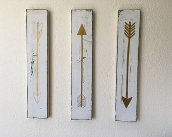 Rustic Flying Arrows Wall Decor - Distressed White and Gold Three Piece Set
