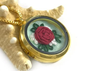 Boho Chic Necklace,  Wife Gift, Pink Rose Pendant, Pink Rose Necklace, Gift for Girlfriend, Gift for Wife, Rose Jewelry, Floral Fashion