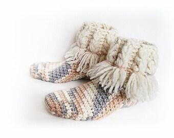 Crochet slippers, Woman slippers, Girlfriend gift, Wool slippers, Winter girl gift, Teen gift, Gift for her, Warm slippers, Home shoos