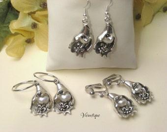 Fleur de lis Earrings, Oyster Earrings, Fleur de lis Jewelry, Louisiana Jewelry, New Orleans Jewelry, Oyster Pearl Earrings