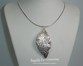 Fittonia Leaf Pendant 1 - PENDANT ONLY  (PMC - 99.9% pure silver)