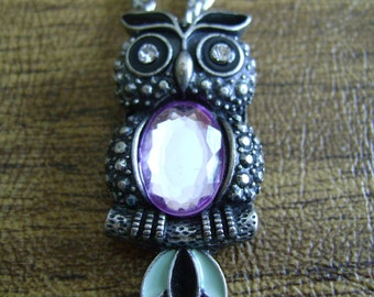 Owl Pendant necklace silvertone with rhinestone eyes and amethyst center