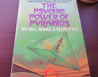 70s Vintage Spiritual Book The Psychic Power of Pyramids