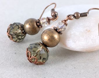 Copper earrings, Copper and crystals dangle earrings, Faceted crystal earrings, Glass dangle earrings, Green glass bead copper drop earrings