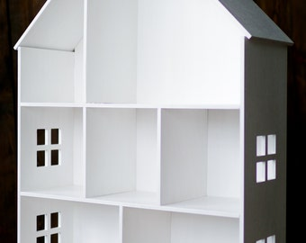 Gorgeous high-quality wooden doll house