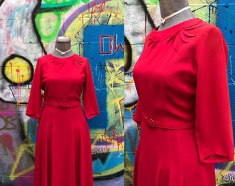 W29 / 1940s 3D Applique RED Rayon Dress