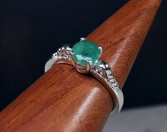 Genuine Emerald Ring, May Birthstone, Emerald Solitaire, Round Solitaire, Emerald Jewelry, Gem Ring, Art Deco Jewelry, Unique Engagement