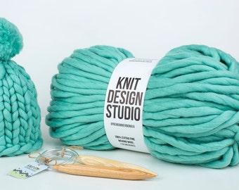 Mini skein 250 grams (8,8 Oz) #PremiumMerinoMaxi - Super Chunky Yarn for Chunky Knits, Blanket Yarn, Big Yarn, Very Thick Yarn, 42 colors